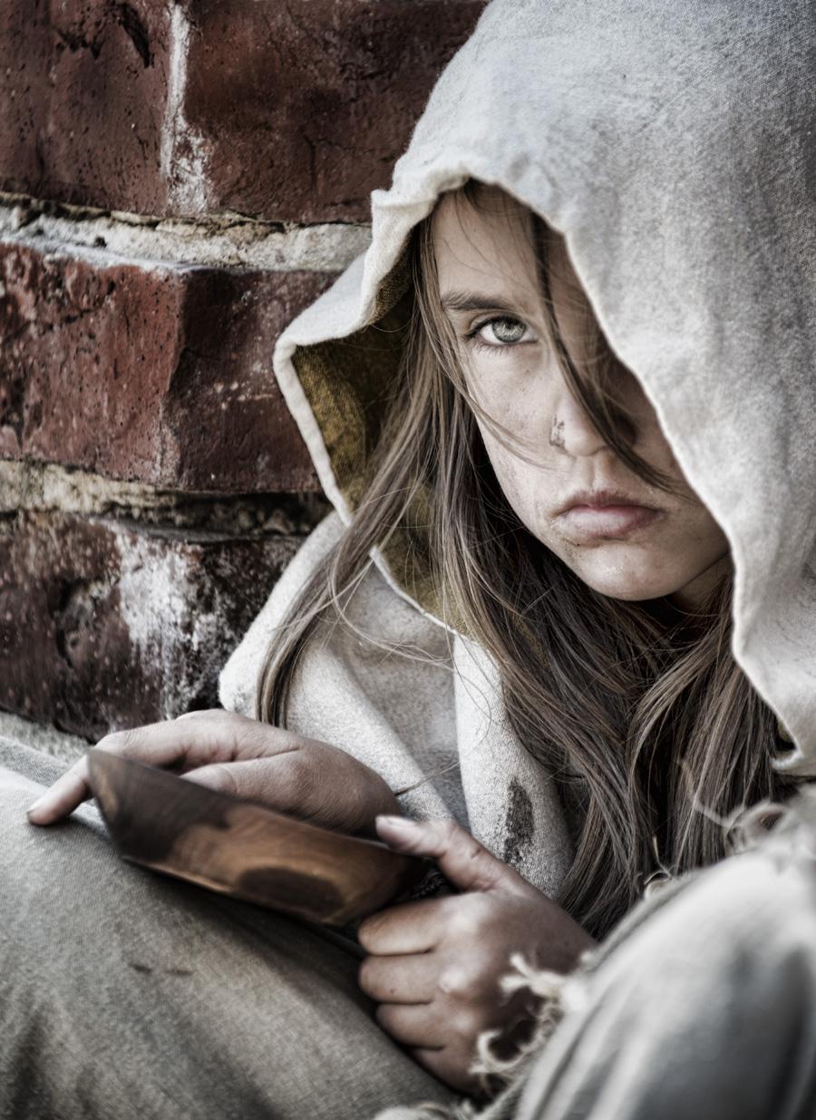 Beggar girl 001