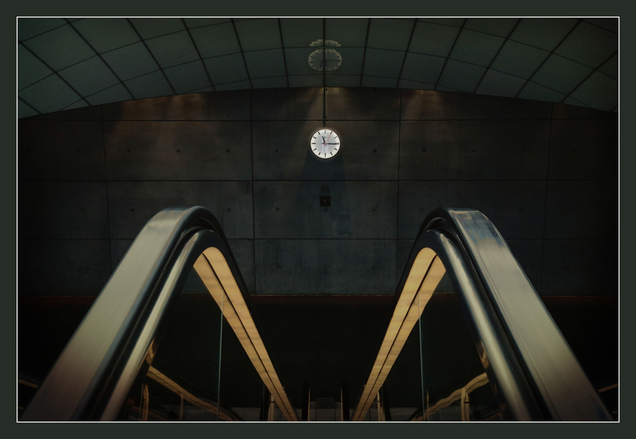 Escalator and Clock No 2