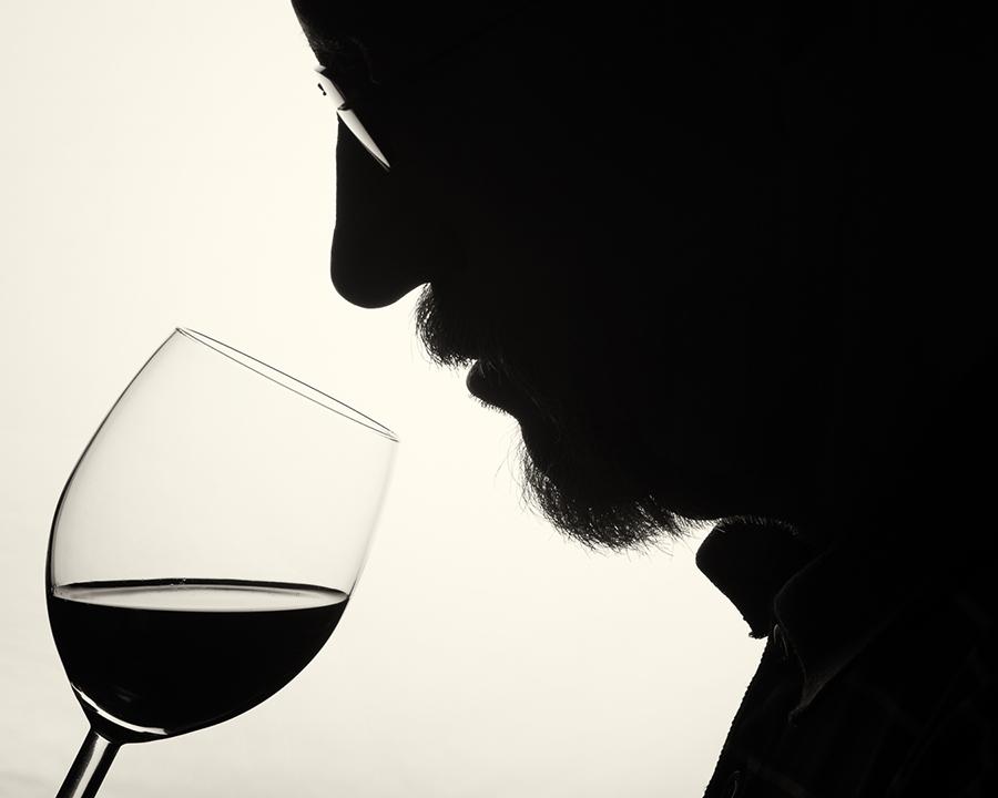 Göran Zebuhr-Wine_tasting